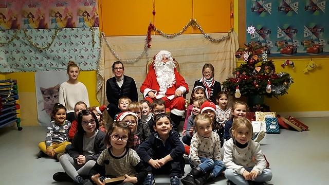 Le_Père_Noël_en_maternelle201810