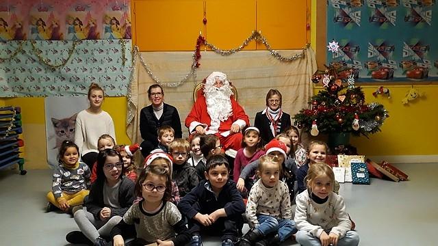 Le_Père_Noël_en_maternelle20189