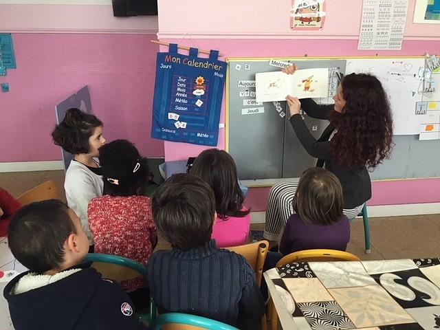 Lecture_de_contes_par_les_lycéens3