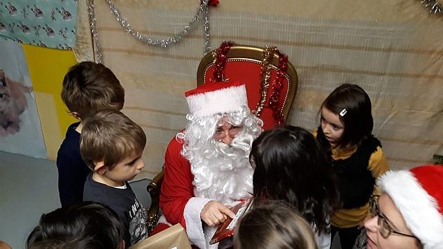 Le_Père_Noël_en_maternelle201815
