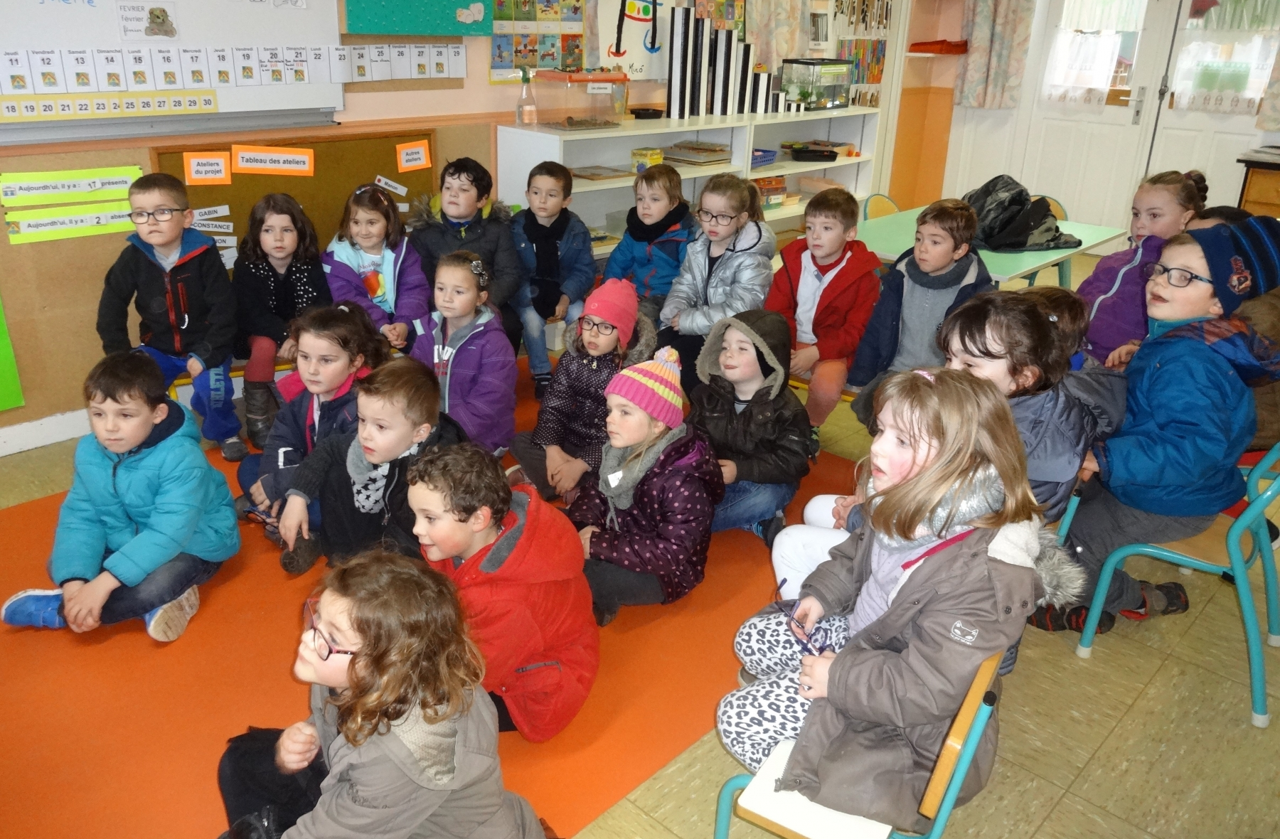 Les_classes_de_Corinne_et_Magali_à_la_poste.5